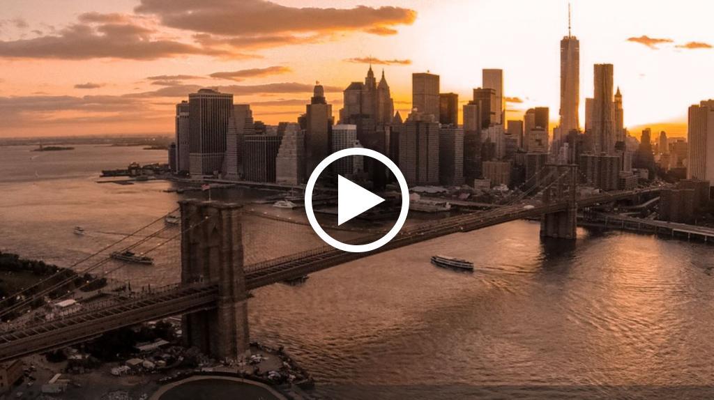 Benedetto chi ha inventato i droni: questo volo su New York è memorabile