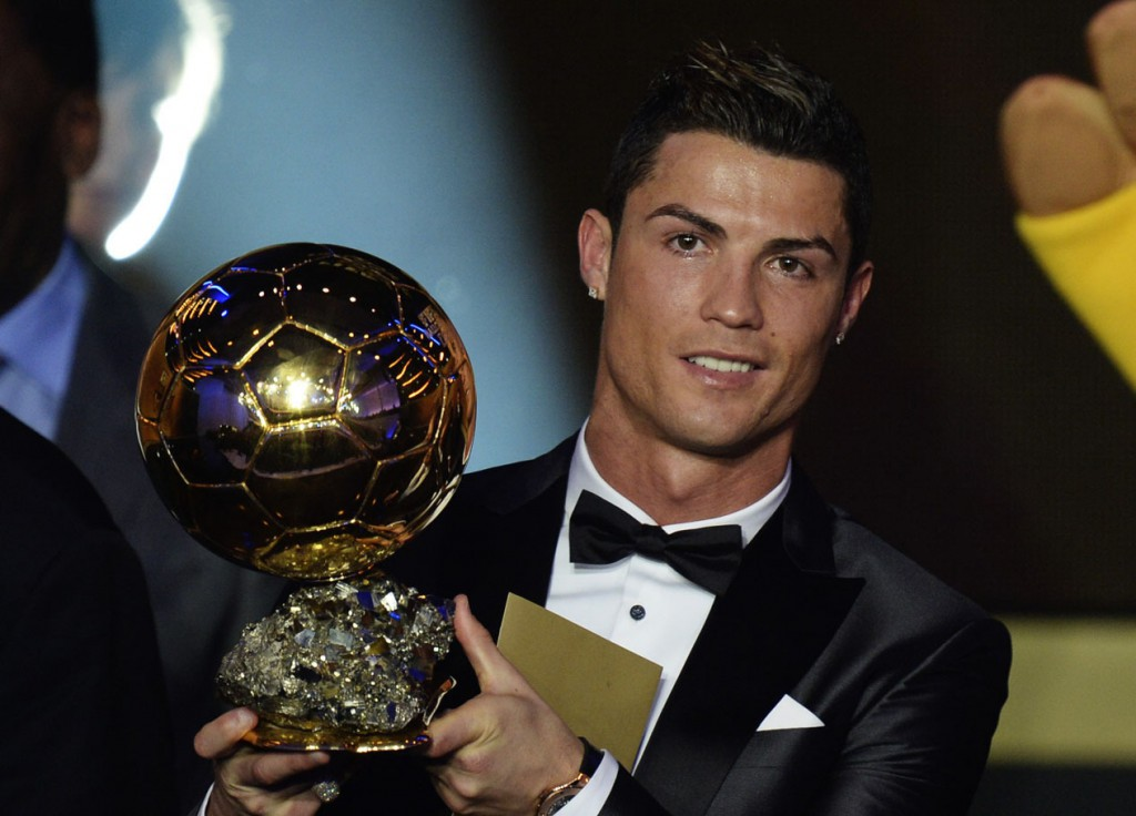 Foto Le lacrime di Cristiano Ronaldo, e' Pallone d'oro - Radio Deejay