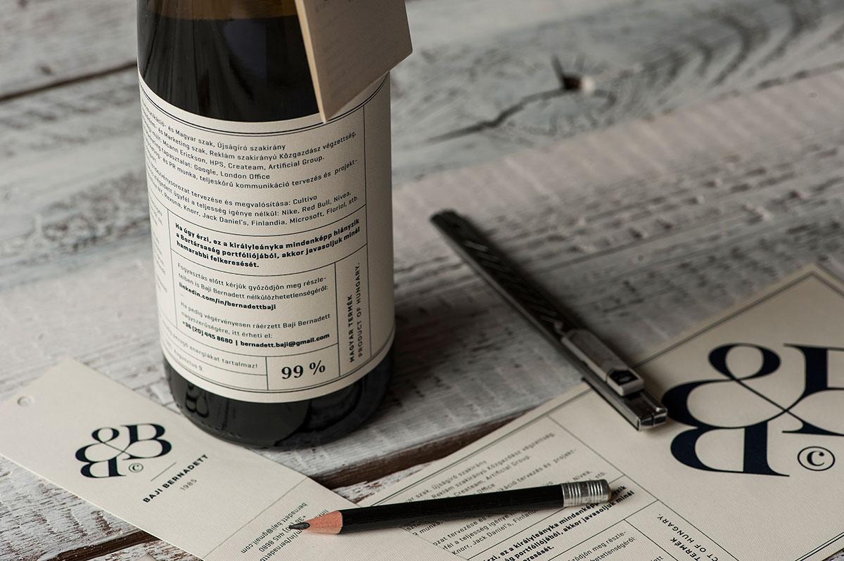 L Originalit Paga Scrive Il Curriculum Sulla Bottiglia E Ottiene