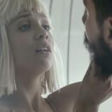 """Sia: """"Mi sono commossa guardando Maddie ballare"""", ecco in esclusiva il making of di """"Elastic Heart"""""""