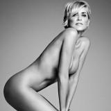 Sharon Stone posa nuda. Ed è sexy come venti anni fa