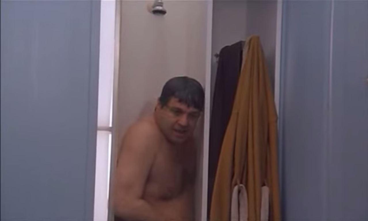 Bagno Con Un Ragazzo : Il ragazzo che sta facendo il tour dei bagni più fighi di londra