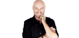 "Fabio De Luigi e i selfie coi fan: ""Chi fa da sé..."""
