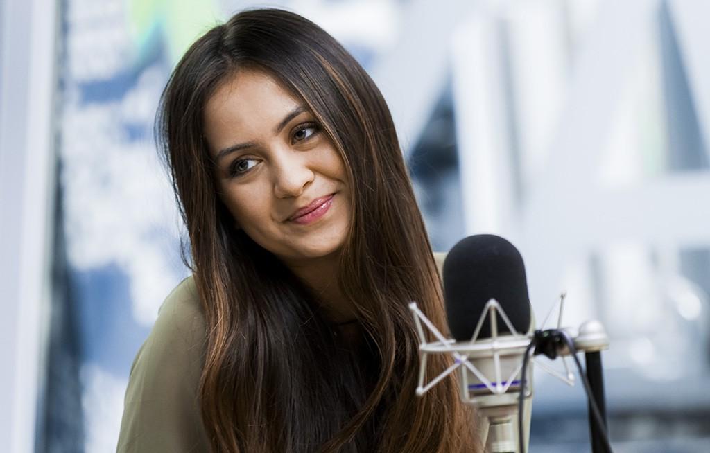 foto jasmine thompson radio deejay