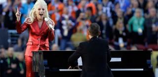 Super Bowl: brividi allo stadio, Lady Gaga canta l'inno americano
