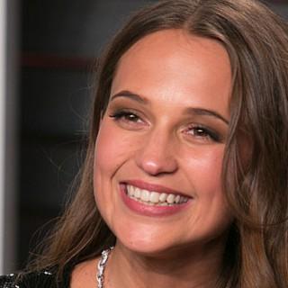 Angelina Jolie passa il testimone ad Alicia Vikander: sarà la nuova Lara Croft
