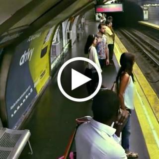 """Il treno arriva ma non si vede: la geniale campagna di lancio per """"Ghostbusters"""""""