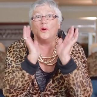 """""""Shake It Off"""", la video-parodia di Taylor Swift girata all'ospizio"""