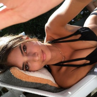 """La lunga e """"difficile"""" estate di Emily Ratajkowski"""