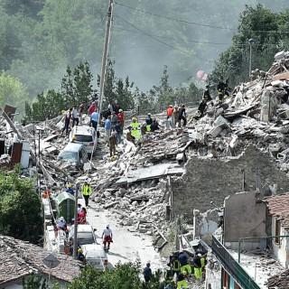 Terremoto, tutto il mondo vicino all'Italia