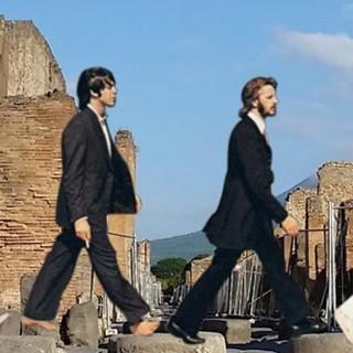 I Beatles tra gli scavi archeologici diventano virali