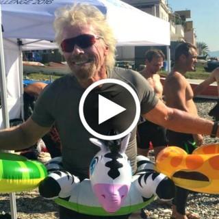 Richard Branson attraversa a nuoto lo Stretto di Messina per salvare l'ambiente