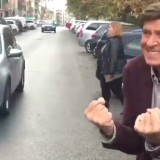 Gianni Morandi partecipa alla 'Sfida del manichino' ma non tutto va nel verso giusto