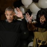 "Ultimo Halloween alla Casa Bianca: gli Obama ballano ""Thriller"""