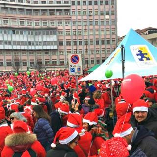 18mila Babbi Natale invadono Torino