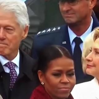 Hillary sorprende Bill adocchiare la first lady