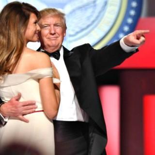 Trump e Melania aprono le danze ma non vanno a tempo
