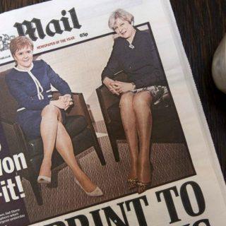 """Titolo-scandalo su stampa inglese: """"Quale Brexit, guardate che gambe"""""""