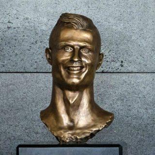 La nuova brutta statua di Cristiano Ronaldo