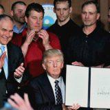 """""""Tornare al carbone: finalmente una scelta saggia"""", l'ironia del Trio sul discorso di Trump"""
