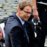 Londra, il viceministro degli esteri soccorre per primo il poliziotto ferito nell'attacco