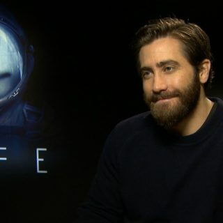 Jake Gyllenhaal contro gli alieni in Life