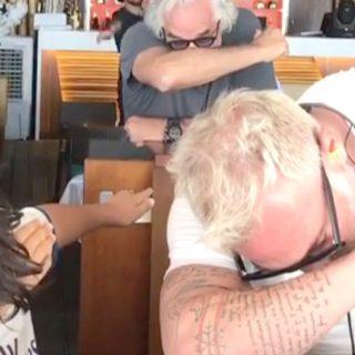 Gianluca Vacchi insegna la 'dab' a Nathan Falco Briatore