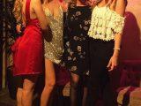 Chiara con la mamma Marina Di Guardo e le sorelle Valentina e Francesca