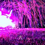 "Chainsmokers a Milano: il coro dei 10mila su ""Something Just Like This"" sbigottisce i DJ"