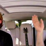 Ed Sheeran si mette 55 cioccolatini in bocca nella sfida con James Corden al Carpool Karaoke