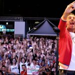 Francesco Gabbani e Marianne Mirage sul palco di Deejay On Stage