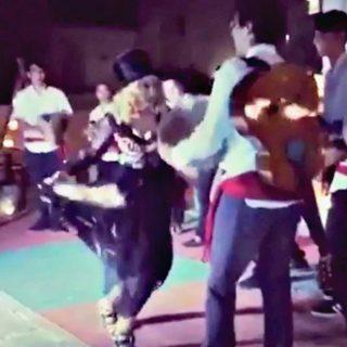 Madonna festeggia i 59 anni ballando la pizzica