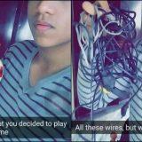 Lasciato dalla ragazza: diventa virale sul web con queste foto esilaranti