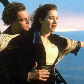 Jack e Rose 20 anni dopo: la foto a bordo piscina