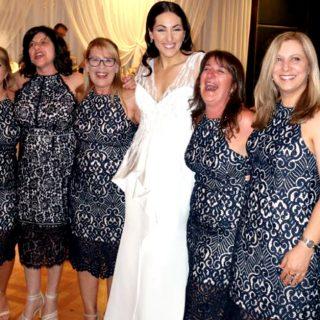 Matrimonio da incubo: si presentano in sei con lo stesso vestito
