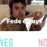 "Instagram lancia i sondaggi e Chiara Ferragni chiede ""Fedez è gay?"""