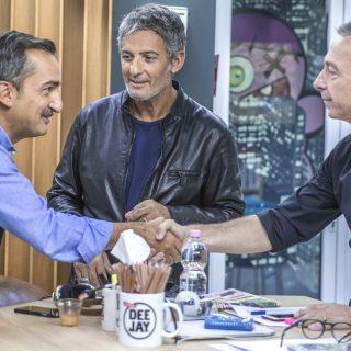 Fiorello, show a sorpresa a Deejay Chiama Italia