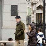 Il Dr. House in vacanza sulla tomba di Evita