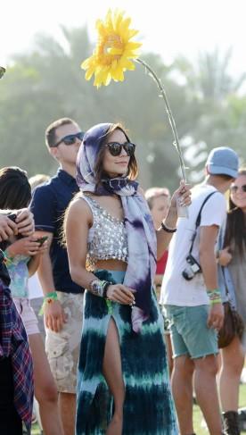 Vanessa Hudgens hippy al Coachella Festival