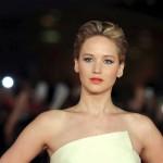 """Jennifer Lawrence: """"Nessuno mi chiede mai di uscire, sono sempre sola il sabato sera"""""""