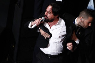 Sanremo, il giovedì di passione da Renzo Arbore a Luca Parmitano