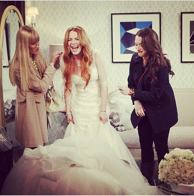 Lindsay Lohan sposa in 2 BROKE GIRLS (Joi)