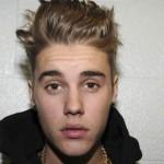 """Justin Bieber: 'Per Natale fate beneficenza, non importa se non sarò al numero 1 della classifica"""""""