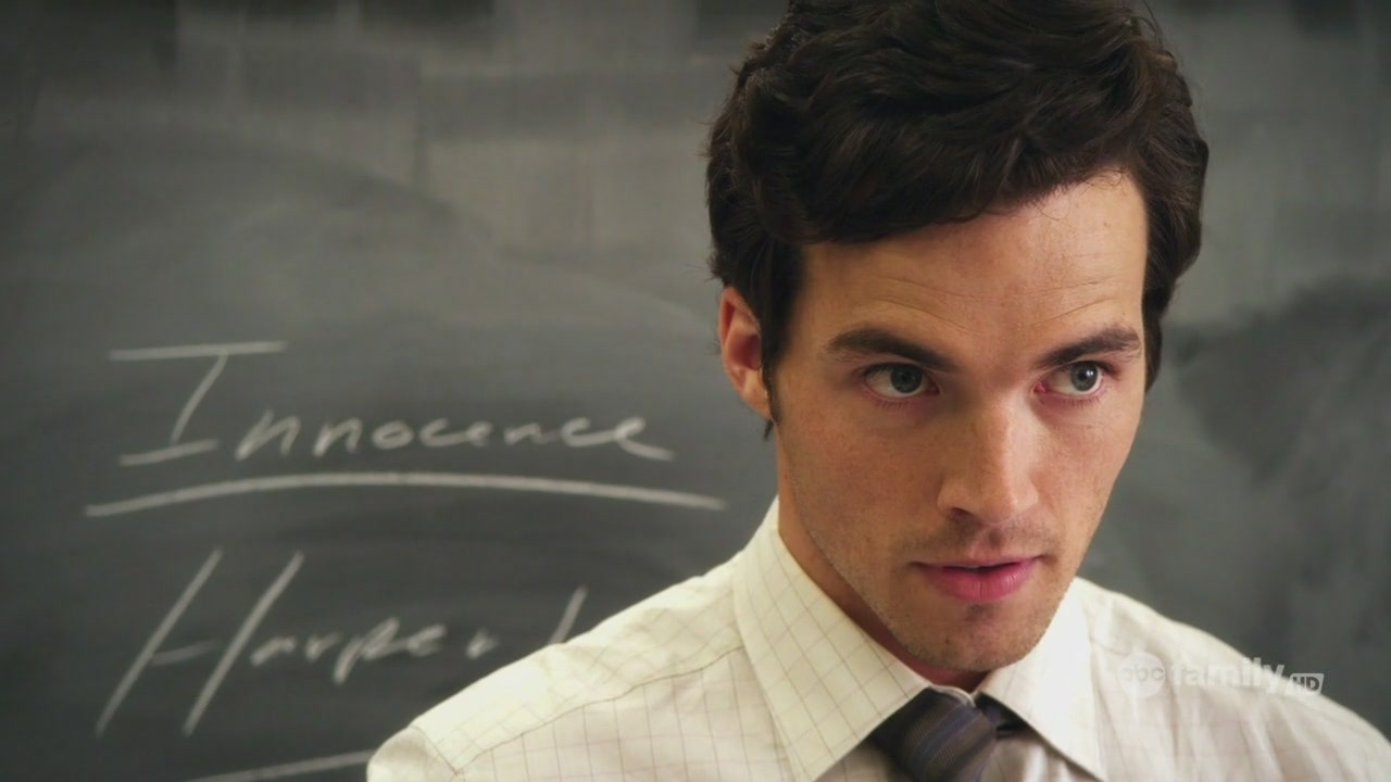 Miglior attore in una serie drammatica: Ian Harding, Pretty Little Liars
