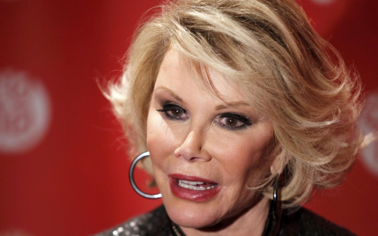 La critica di moda Joan Rivers è in coma
