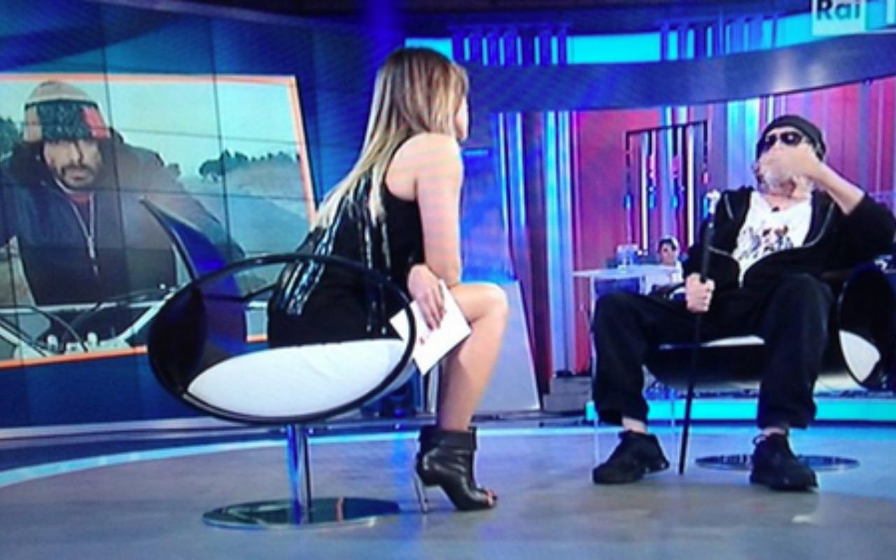 Domenica In, Paola Perego fa infuriare Tomas Milian