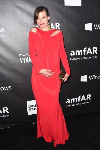 Amfar Inspiration Gala, Miley Cyrus in versione sadomaso guida la sfilata delle star