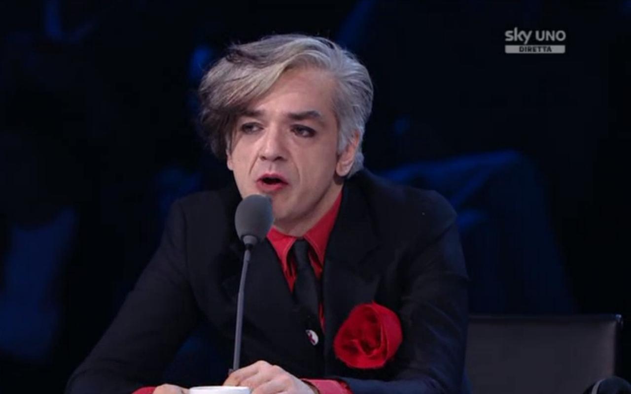 X Factor 8, il sesto live: eliminati i Komminuet e Morgan è fuori dai giochi