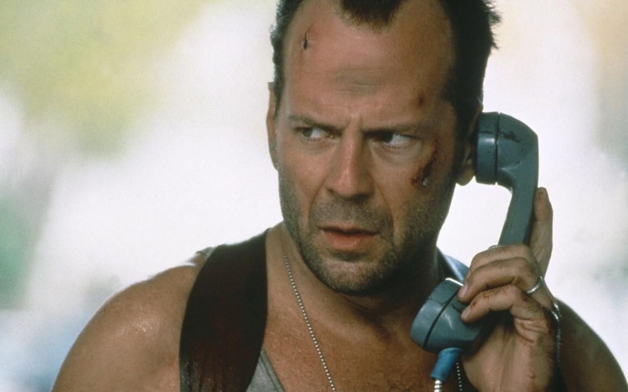 Die Hard – Duri a morire, Bruce Willis perseguitato da Jeremy Irons: trama, cast e curiosità