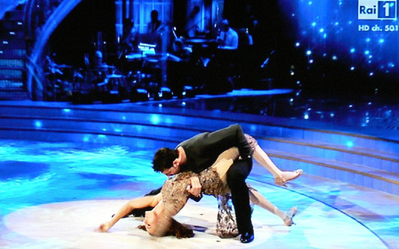 foto_Giusy Versace con Raimondo Todaro a ballando